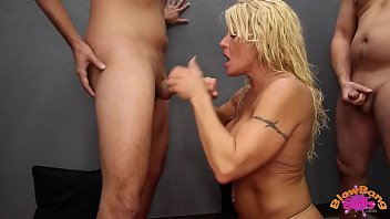 over pounding a milf and bends deep balls takes 3d monster impregnation birth tentacles