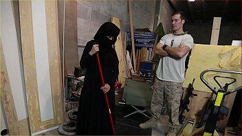 arab collage de pute maroc Ebony babysitter 3way