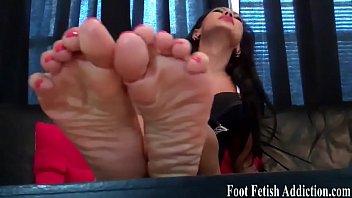 feet and cum clean on Di kamar sopir