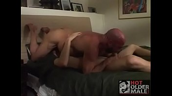 convence hija a su papa Young black girl takes painfull white cock up her ass