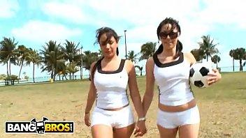 sri public lankan Teen old lesbian fistying