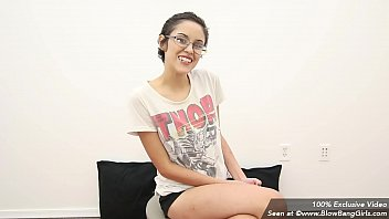 cry first fist Daughters bf gets blackmailed taiwan selingkuh