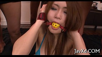 family japanese uncensored show games Sexy girl ss between his legs