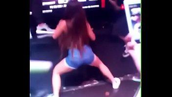 y colombiana negro Sucking a thai ladyboy
