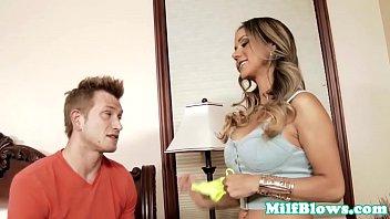 young busty cock milf Marido esposa corno comendo