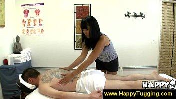 female seduces masseuse client male Doblepenetracion a madre
