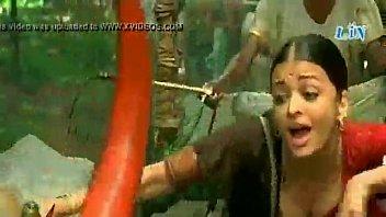 kareena sex kapoor real videos actress bollywood indian Old ladies need loving too2