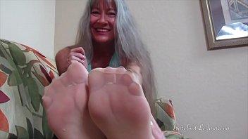 nylon green feet5 Me lastimas mi clitoris