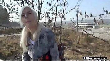 public girls in 2 kiss Comendo o cu da puta na rua