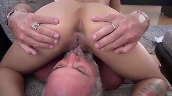 fe al shra3 masrya Was tricked in to sucking my dick