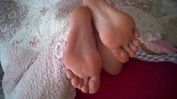 to feet cum mistress joi Facesitting squirt pov