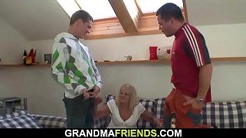 down pantyhose old lady pulls Eva lovia and malena morgon