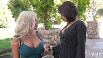 milf titty raylene big Femmes french mature
